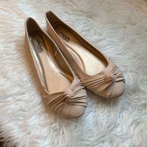 Charolette Russe Nude knot flats sz 8 New